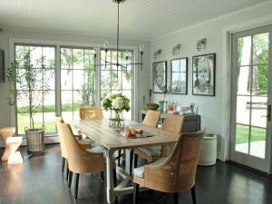 Dining room -1