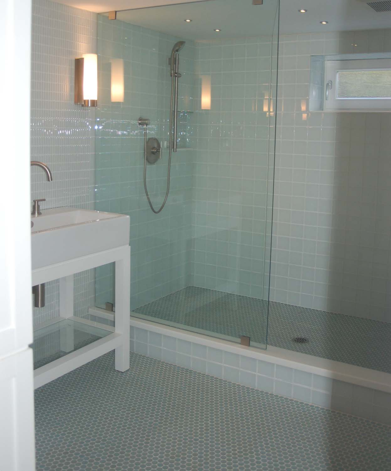 This Homeowner Really Liked The Look Of White Glass Tiles